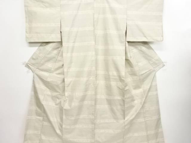 リサイクル 横段に抽象模様織り出し本場白大島紬着物【送料無料】