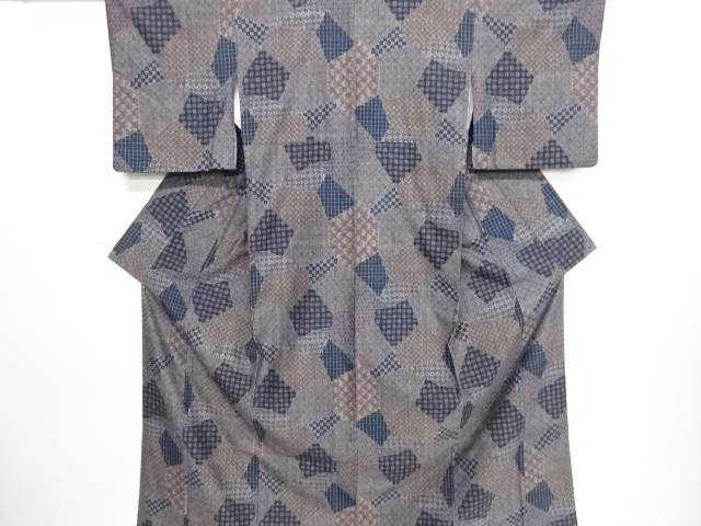 リサイクル 石畳に格子・古典柄織り出し手織り真綿紬着物【送料無料】