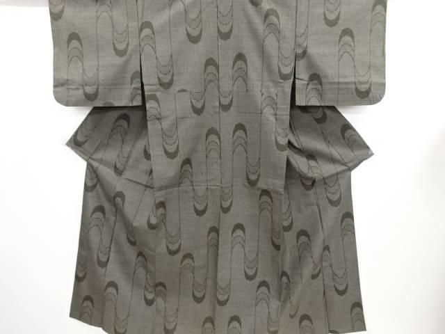 リサイクル 壷垂れ模様織り出し本場結城紬100亀甲単衣着物(石下)【送料無料】