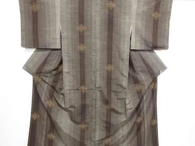 リサイクル 縞に華紋織り出し手織り真綿紬着物【送料無料】