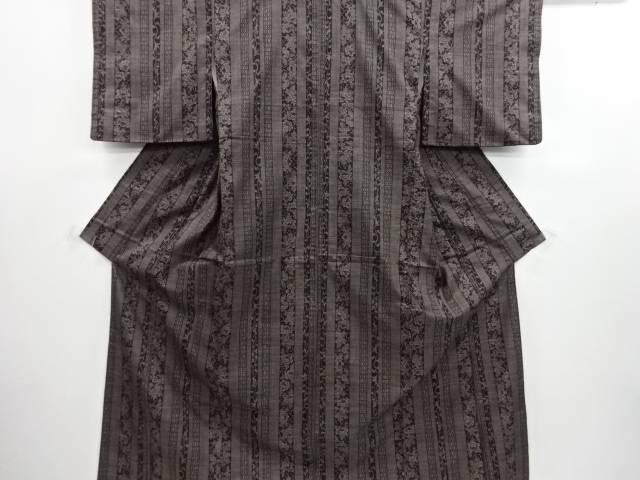 リサイクル 縞に牡丹唐草模様織り出し本場泥大島紬着物(5マルキ)【送料無料】