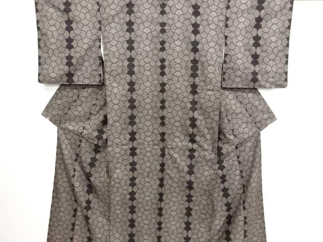 リサイクル 網目模様織り出し本場泥大島紬着物(5マルキ)【送料無料】