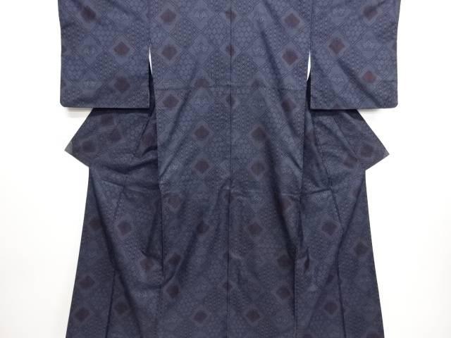 リサイクル 松皮菱に花模様織り出し本場泥大島紬着物(5マルキ)【送料無料】