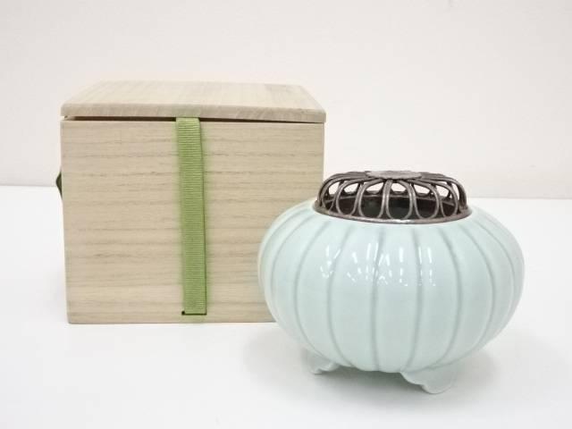 【香道】隆山造 純銀火舎付青磁菊形香炉(保護箱)【送料無料】