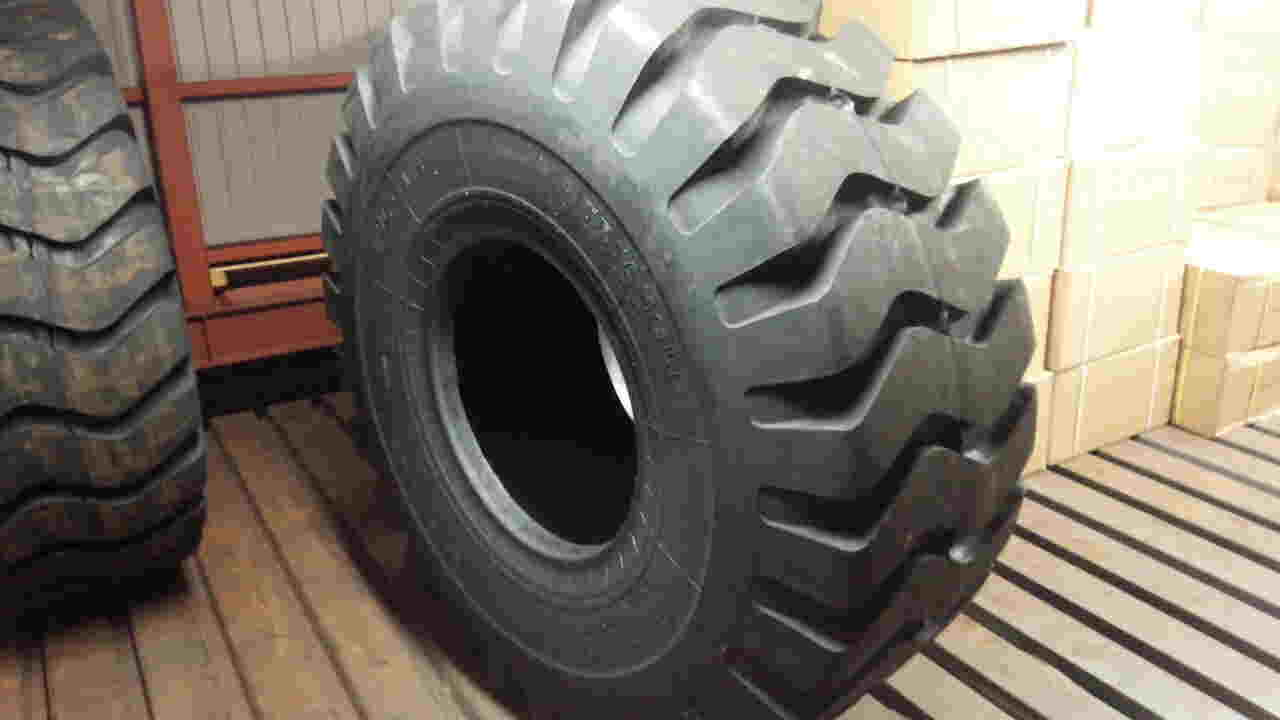 タイヤショベル用ORタイヤ26.5-25 20P