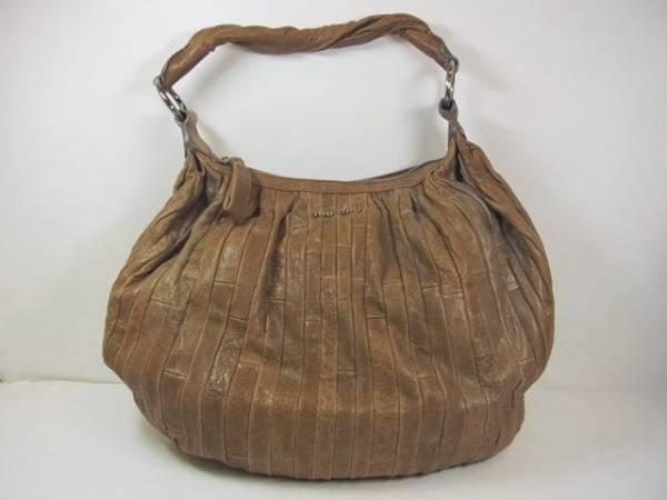 正規品 miumiu レザー ショルダーバッグ 保存袋付き ミュウミュウ 【中古】