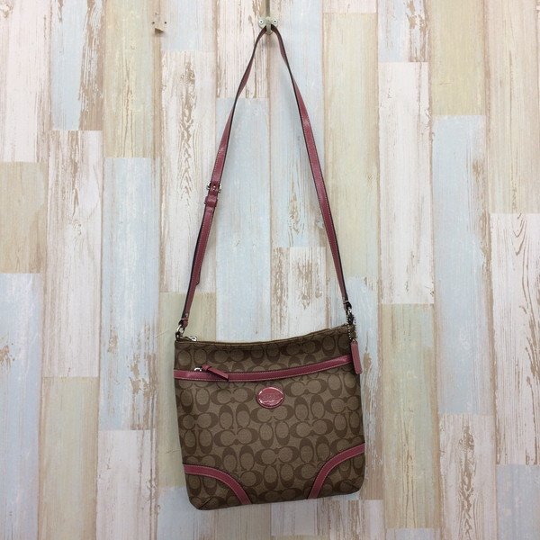 4fc1337db5cb NEXT51  Mikunigaoka shop 259409 RM800T made in the COACH coach shoulder bag  F18626 bag brown pink signature Lady s Philippines