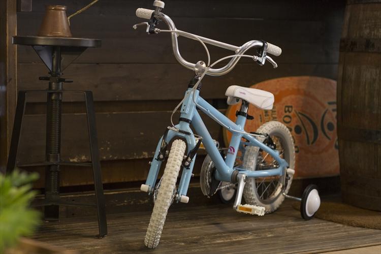 【完全組立】子供用自転車 16インチ 2020 arcoba V-B アルコバ 子供用自転車 幼児車 TEKTROブレーキ・ホワイトパーツ ハイクオリティーモデル 子ども用自転車 【一部地域送料無料】 補助輪付 可愛い キッズ 注目 Arcoba ブイビー ★元