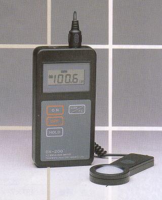 デジタル照度計 DX-200型