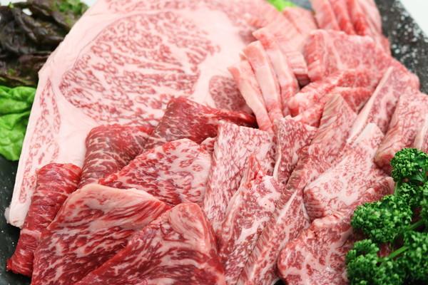 人気のこだわり4種の焼肉BBQセットA 900g(ロース・カルビ・ホルモン・タン) 美味しいタレ付 バーベキュー