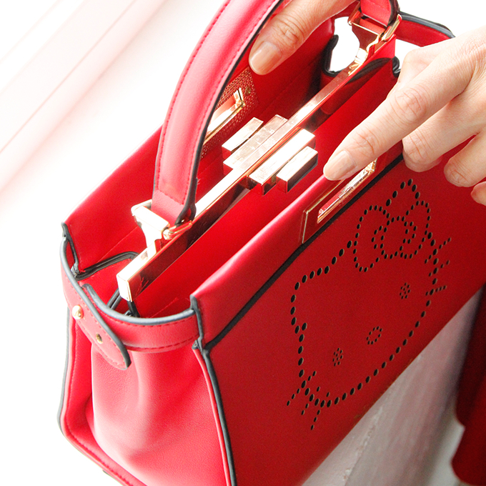 Hello Kitty punching leather mini-bag ninamew  ニーナミュウレディースファッションニーナミュウコラボキティサンリオ 1976 3baf42ff59ccd