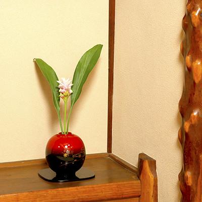 送料無料 思わずさわりたくなる美しく愛らしい花器・輪島塗花器 球形 塩安漆器工房・石川県