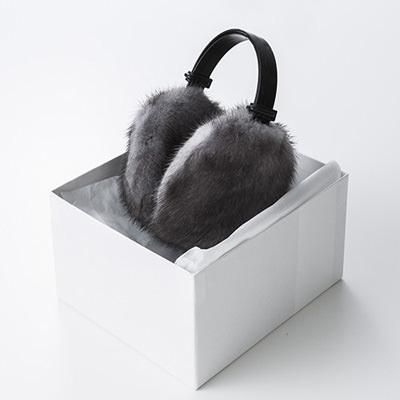 送料無料 北海道 お取り寄せ ミンク耳宛 有限会社函館ミンク 北海道 艶やかな光沢とシルクのような感触、高い保温性を兼ね備え、耳元をお洒落に演出