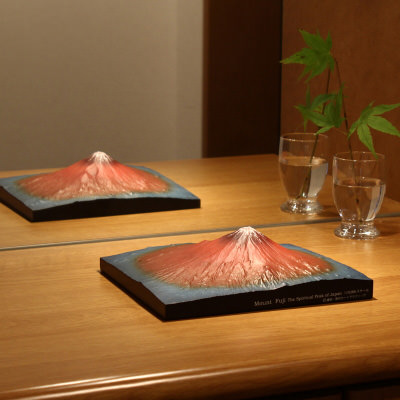 送料無料 葛飾北斎の かの有名な赤富士がモデル 第二景 赤富士 単体モデル | 株式会社謙信・東京都