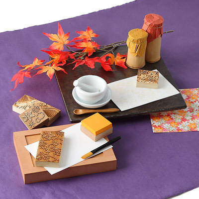 送料無料 春夏秋冬の伝統文様がそれぞれ入った Karakami kit 四季