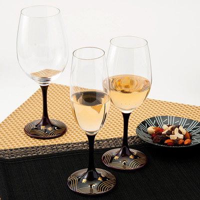 送料無料 ワイングラス 和の趣あふれる小粋なグラス! JAPAN Glass(溜漆 波千鳥蒔絵)SML 山久漆工(株)