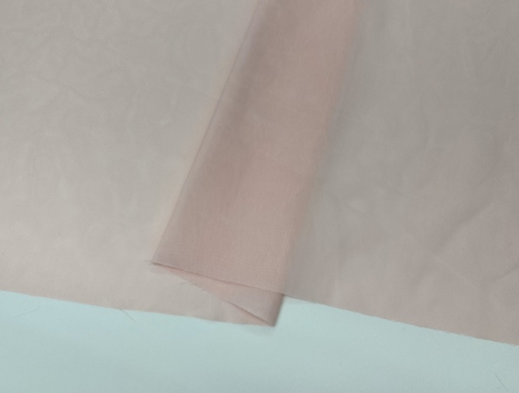 ショッピング 即納 さらっとした肌触りでドレープもきれいに表現できます CR特価 ライトピンク シフォン