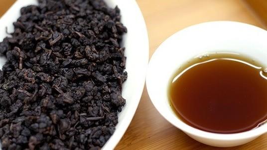【台湾烏龍茶】【林峰の選ぶ特選高級烏龍茶】【陳年老茶 】150grアルミ真空パック、阿里山の高山烏龍茶のVINTAGE品(年代物)で最高級烏龍茶の一つです。 (無料送料) (取寄品代引不可)