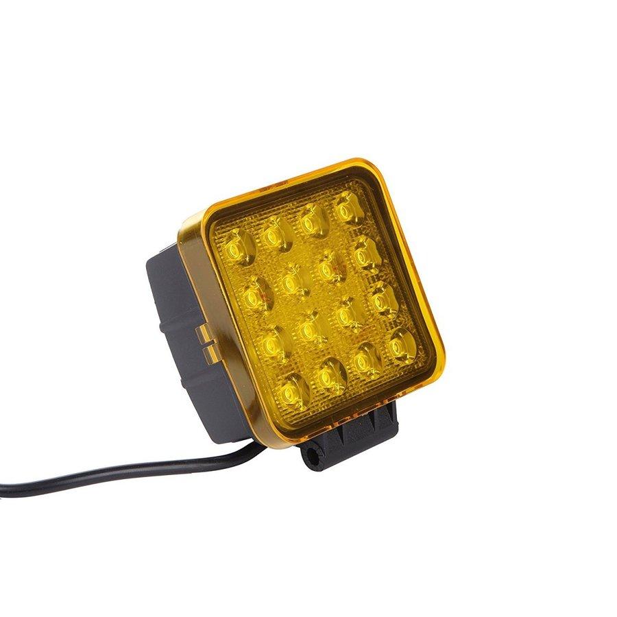 LED作業灯 27w四角 48w対応 イエローカバー 乱反射 登場大人気アイテム 対策 未使用品 除雪機