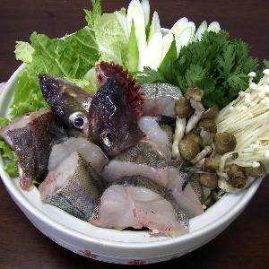 石川県産天然たら鍋セット6~7人前身の厚い石川県産天然たらと、地元能登で契約栽培している新鮮な野菜をセットにしました。鍋の後は雑炊としてお愉しみください。 豊漁のお陰で最安値に挑戦中!石川県産天然たら鍋セット6~7人前【旨い!能登鍋 のとなべ 能登は鍋もの宝庫です♪店長イチオシ!】