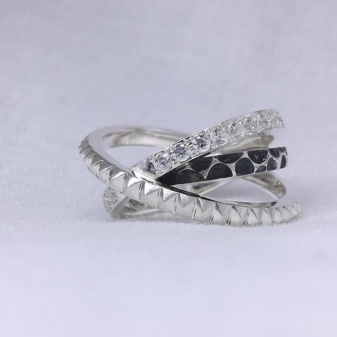 新・斜め3連リング ごつい シルバーリング 指輪 おしゃれ レディース 大きいサイズ メンズ スタッズ 個性的 かっこいい シルバーアクセサリー 男性 プレゼント 誕生日 クリスマス 記念日 指輪