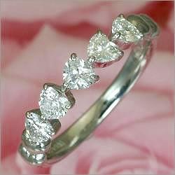 世界5大ジュエラーと同等のダイヤ品質 クーポン5%OFF 《石田ゆり子さん使用》Ptハートダイヤリング結婚指輪 マリッジリング としても人気です 鑑別書付 ダイア 高い素材 ジュエリー 卸直営 指輪 誕生日 記念日