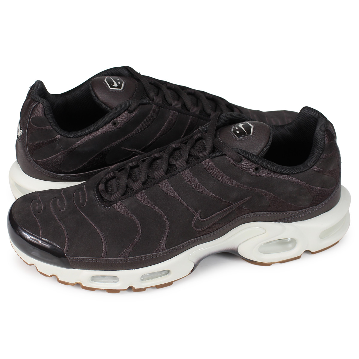 d47c6bbbf8 [brand NIKE getting high popularity from sneakers freak]. Product AIR MAX  PLUS ...