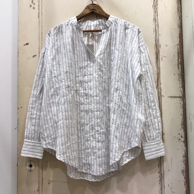HUG O WaR(ハグオーワー) 綿麻シャーリングストライプスタンドシャツ ホワイト