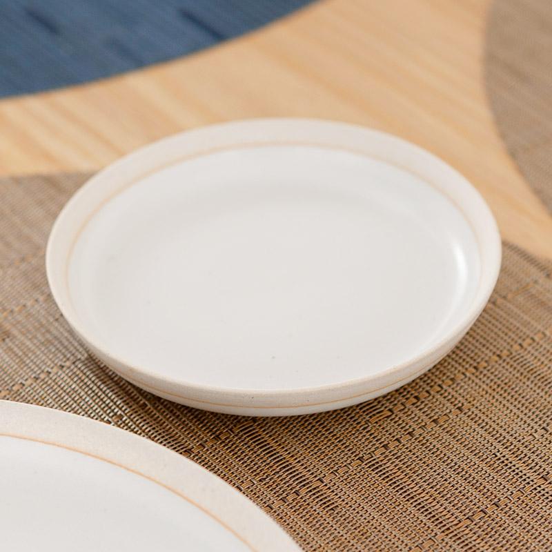 hiiro 世界の人気ブランド くも プレートS φ120mm THI005WH 陶磁器 ギフト 梱包 無料 可 プレゼント 往復送料無料 誕生日 贈り物 日本製 和 ひいろ 和食器 磁器 多治見 皿 プレート 陶器 12cm 国産 食器