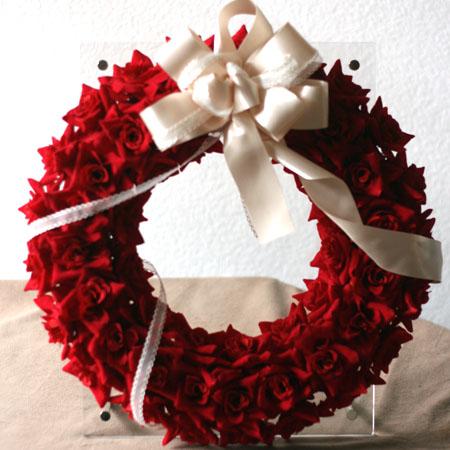 ウェルカムボード「レッドローズリース」アートフラワー 誕生日 玄関 インテリア クリスマス ギフト プレゼント お祝い 開店 退職 新築 還暦 ウェディング