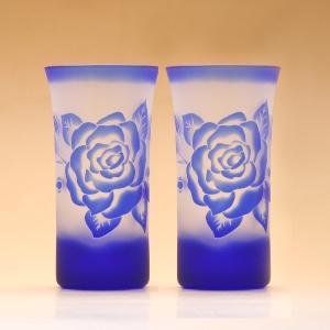 """おしゃれな女性向け 名入れOKでプレゼントにも喜ばれます結婚祝い 新築祝い GHOオリジナルデザイン 人気商品 低価格 冷酒グラス ペア 一口ビールグラス""""薔薇"""" 世界に一つの手作りガラス彫刻 10P01Nov14 送料無料 セット 楽ギフ_のし ペアグラス 名入れ可能"""