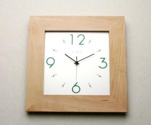 掛け時計【メッセージ料込み】GHOオリジナルデザイン掛け時計(楓)AW-0104型【楽ギフ_名入れ】【楽ギフ_のし】木製 掛時計 おしゃれ【10P01Nov14】