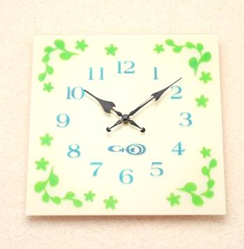 掛け時計かわいい おしゃれ ガラス 掛時計 名入れ【送料無料】【電波時計】【楽ギフ_名入れ】【楽ギフ_のし】GHOオルナートガラス掛け時計gho-sp-s03-wh【10P01Nov14】