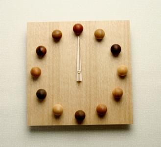 <あす楽>即日対応 木の時計~北の大地~「ビーズクロック」【掛け時計】【おしゃれ】