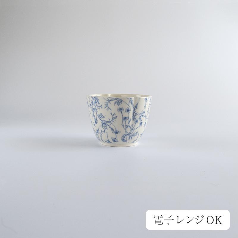深皿や小鉢 豆皿とセットで使いたくなるカモミール柄のカップ 日本茶 コーヒー 商い 紅茶 高級品 スープ 蕎麦猪口に ジャンルを超えてしっくり馴染んでくれます STUDIO M' スタジオエム Chamomile カモミール 皿 プレート 日本製 北欧 電子レンジOK キッチン おしゃれ カフェ studiom ナチュラル スタジオm 食器 カップ