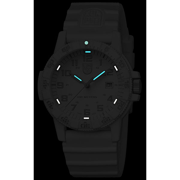 ルミノックス 時計 メンズ 腕時計 SEA SERIES レザーバック シータートル オールホワイト ラバー 0327.WO ビジネス 男性 ブランド 誕生日 お祝い プレゼント ギフト お洒落