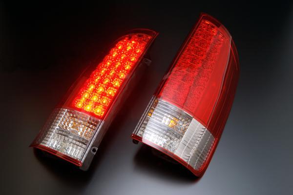 トヨタ ノア・ヴォクシー AZR60・65G用 2001/11~2007/06(13/11~H19/06)CLEAR WORLD(クリアワールド) LEDクリアテールランプ(レッド/クリアレンズ) RTT-17テールランプ テールレンズ