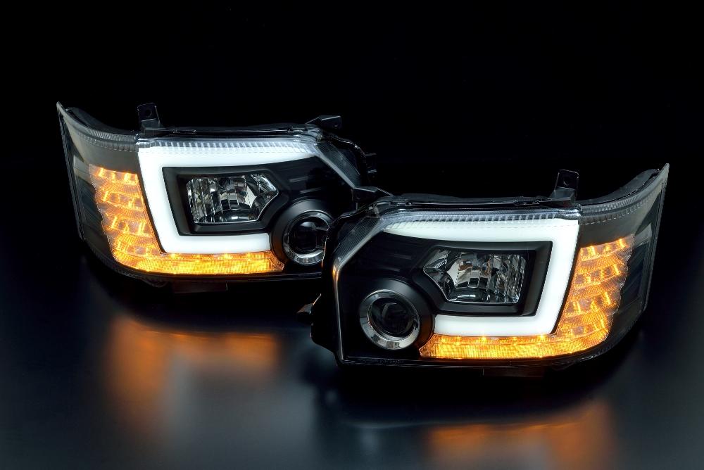 トヨタ 200系ハイエース 4型用 2013/11~(H25.11~ )プロジェクターヘッドランプ クリアワールド プロジェクターヘッドランプ(ブラックハウジング)  CHT-17 ヘッドライト ヘッドランプ