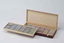 デーラーラウニー ソフトパステル96色木箱セットB 暗いチント3~4を揃えたセット