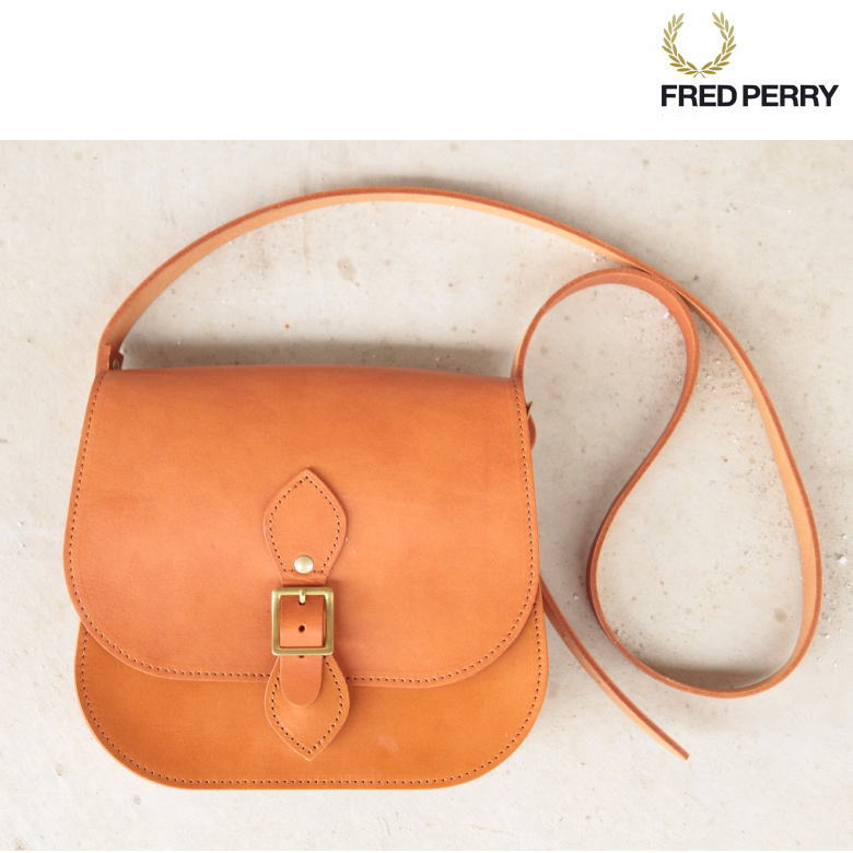 Satchel Bag FREDPERRY フレッドペリー ショルダーバッグ 送料無料!本革製 Camel キャメル F9275