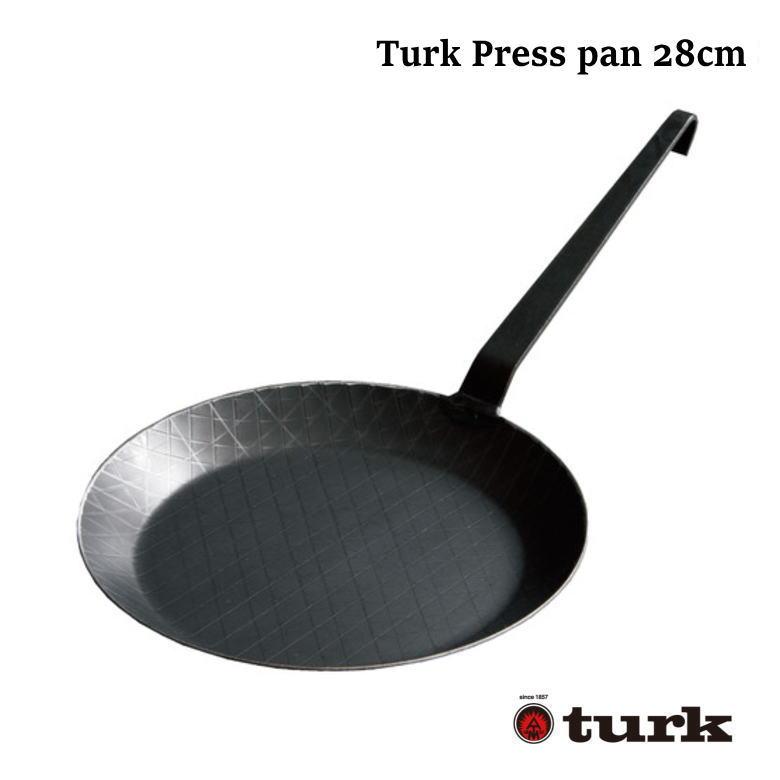 ドイツ製の本格フライパン TURK 国内正規代理店 ターク チープ プレスパン 浅型28cm 鉄製 キャンプ フライパン ドイツ製 アウトドア ソロキャンプ バーゲンセール デイキャンプ 本格フライパン