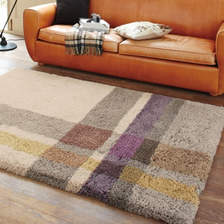シンプルチェック柄のラグ 暖色系の暖かみあるラグ モダン シンプル ホットカーペット対応 防ダニ こたつ敷きにもなる 絨毯 ラグマット カーペット ブラウン/ベージュ
