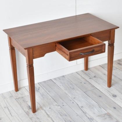 マホガニー材 センターテーブル 自然な風合いのテーブル コンパクトサイズ ちょっと高めの クラシカル アンティーク調 スリムなデザイン ソファテーブル コーヒーテーブル リビングテーブルにも アーリーアメリカン ローハイテーブル 新生活