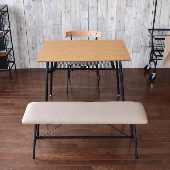 アイアン家具 カフェスタイル 二~三人掛け オーク材 ナチュラル ダイニングテーブルセット 3点セット 可愛いブルックリンカフェテイストのお部屋作りにピッタリ シンプルなデザイン 二人暮らし向きのサイズ感 新生活 インダストリアル