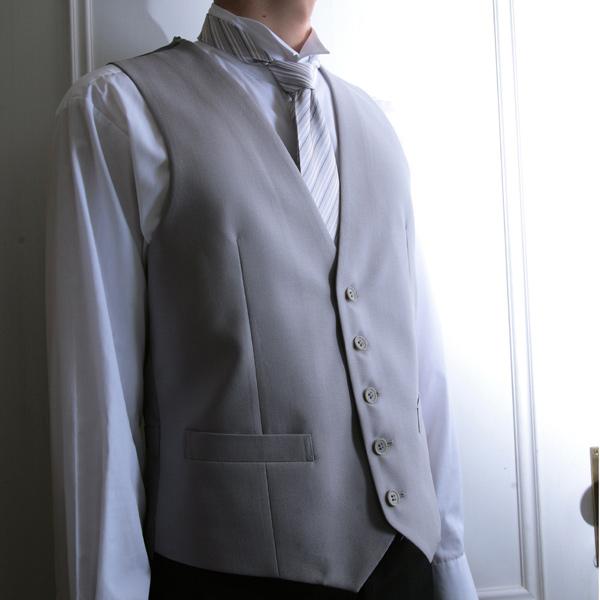 【WEB限定】フォーマルベスト グレーベスト シルバーベスト 細身タイプ 襟なし 練りボタン仕様【3VTW】結婚式 披露宴 二次会 ディレクターズスーツに 礼服・礼装・婚礼用