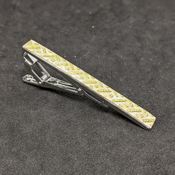 人気 着物職人手作り 毎日激安特売で 営業中です ネクタイピン 本あわび白螺鈿 変り小紋 本金箔使用