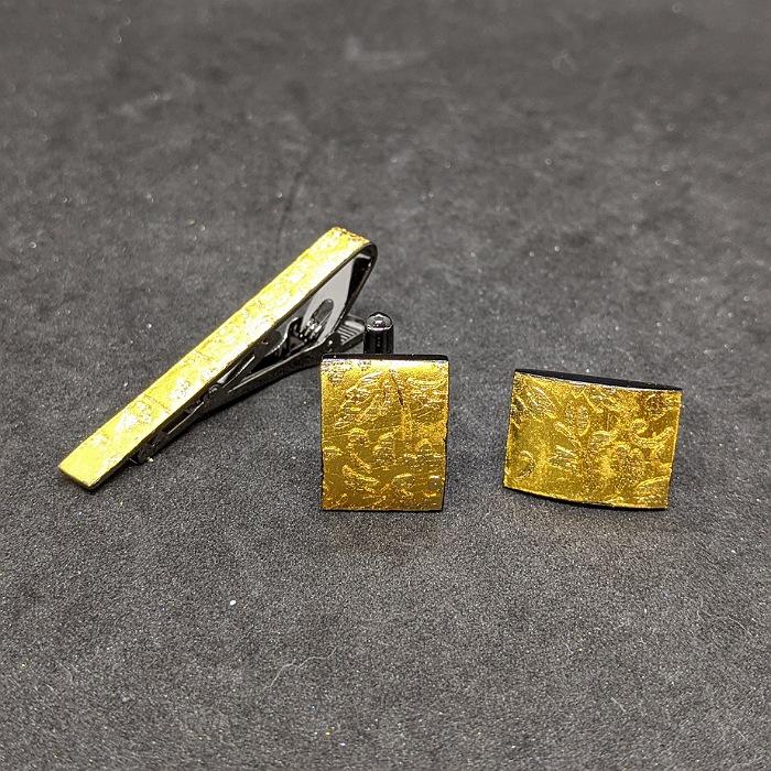 着物職人手作り ネクタイピン カフスボタンセット 年中無休 金箔に更紗小紋 祝日 本金箔使用