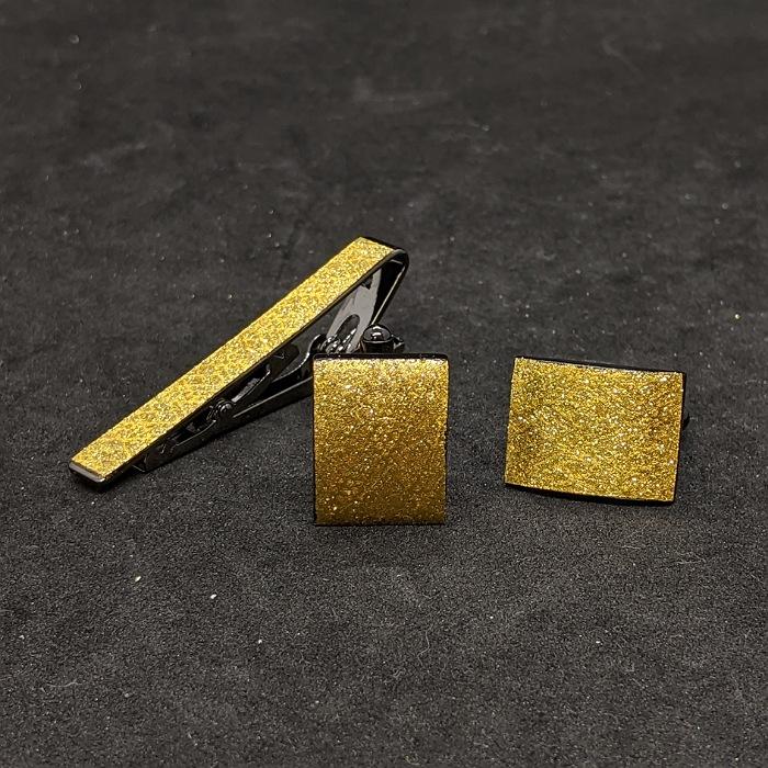 着物職人手作り ネクタイピン 格安SALEスタート カフスボタンセット 本金箔使用 金箔に武田菱小紋 国際ブランド