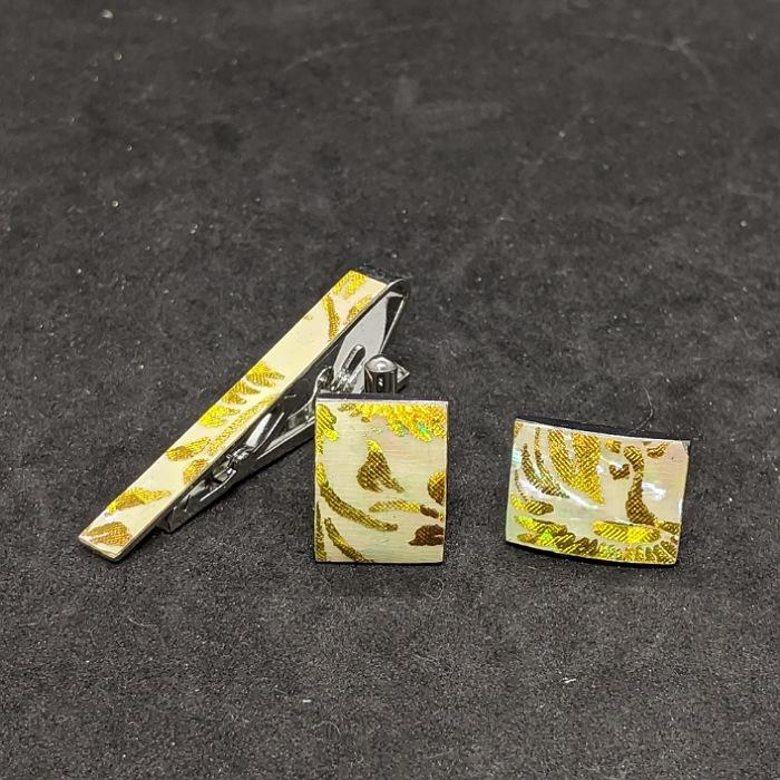 着物職人手作り ネクタイピン カフスボタンセット 人気ブランド多数対象 特別セール品 黄ダイヤ箔使用 本あわび白螺鈿 更紗小紋