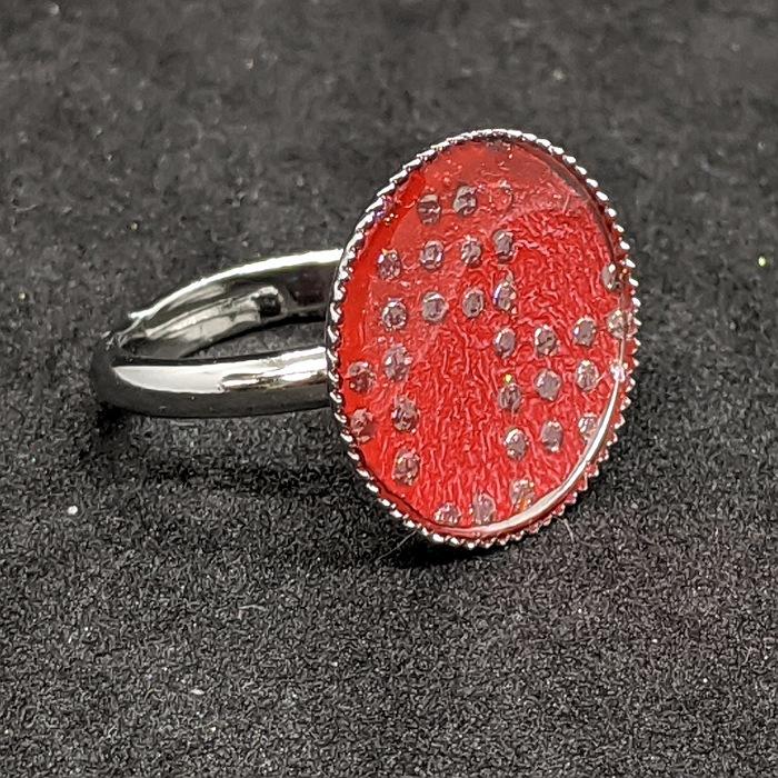 配送員設置送料無料 着物職人手作り お洒落 指輪 フリーサイズ :真紅色箔に通し市松小紋 薄紫ダイヤ箔使用